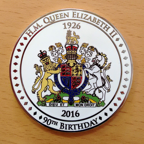 Queen's 90th birthday coin